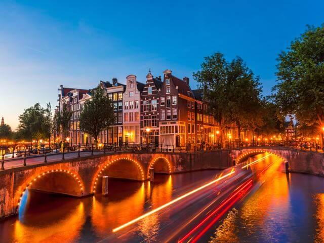 Voli low cost per amsterdam paesi bassi da 42 offerte for Amsterdam low cost hotel